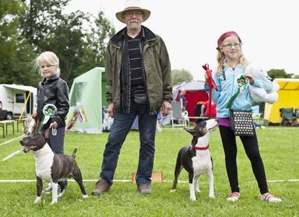Barn med hund3